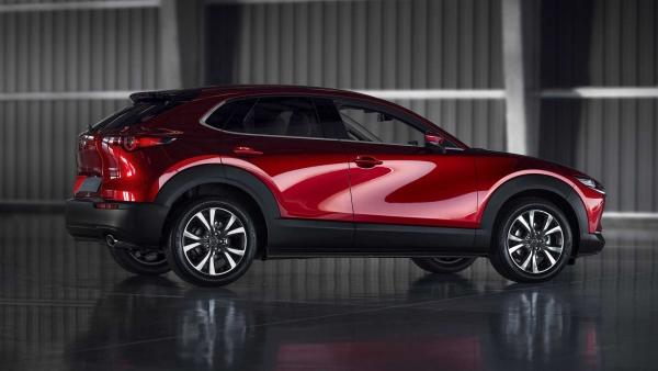 H Mazda ανανεώνει το CX-30