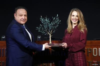 ΝΝ ΗΕLLAS: Βραβεύτηκε για την υποστήριξή της στην Ελληνική Ολυμπιακή Ομάδα