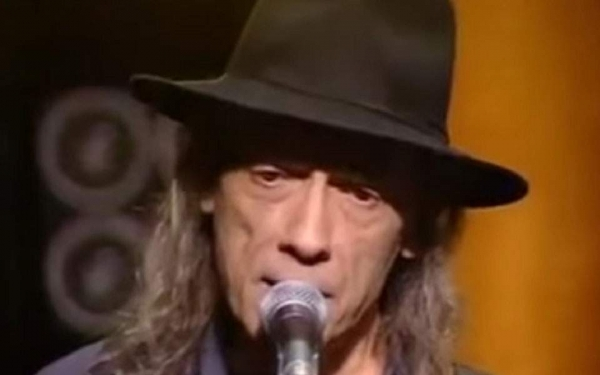 Πέθανε ο κιθαρίστας Νίκος Σπυρόπουλος, ιδρυτής του συγκροτήματος «Σπυριδούλα»