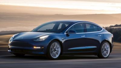 Ολοκαίνουριο Tesla Model 3 ταξινομήθηκε στην Πειραιά