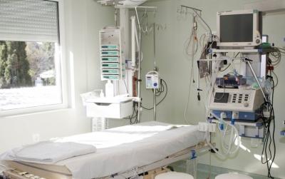 ΠΟΕΔΗΝ: Επιτακτική ανάγκη αύξησης κλινών ΜΕΘ και αναπνευστήρων - Μόσιαλος: Θα χρειαστούμε 55.000 αναπνευστήρες, έχουμε μόνο 1.000