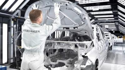Όμιλος VW: Σοκαριστική πτώση των λειτουργικών κερδών