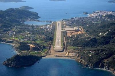 Στα πιο θεαματικά Αεροδρόμια της Ευρώπης το αεροδρόμιο της Σκιάθου