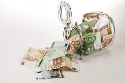 Σταθερά τα επιτόκια καταθέσεων και δανείων τον Απρίλιο