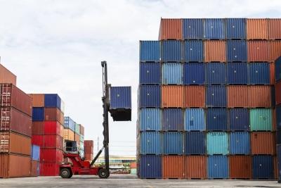 Μειωμένο κατά 9,8% σε ετήσια βάση το έλλειμμα του εμπορικού ισοζυγίου στο α΄ τρίμηνο του 2021
