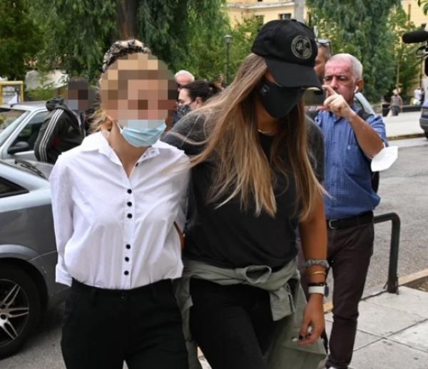 Προφυλακιστέοι το γνωστό μοντέλο και ο πρώην ποδοσφαιριστής για την κοκαΐνη