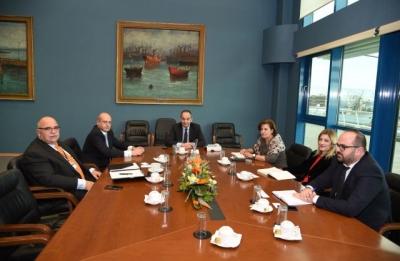 Σύσκεψη στο υπουργείο Ναυτιλίας για την ενίσχυση της νησιωτικής επιχειρηματικότητας