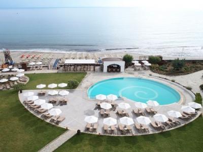 Όμιλος Metaxa: Ανοίγει και τα τρία ξενοδοχεία του
