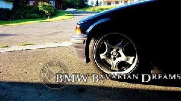 BMW: Προχωρεί σε προσαρμογή της παραγωγής σε εργοστάσια στο Ην. Βασίλειο και στη Γερμανία