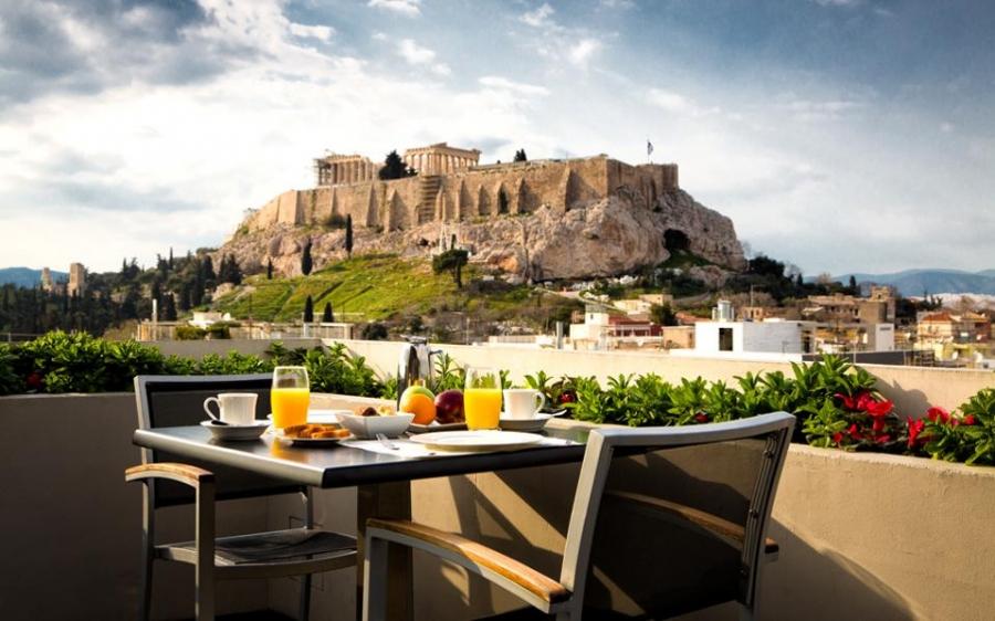 Κλείνουν όλα τα ξενοδοχεία στην Ελλάδα μέχρι τέλος Απριλίου