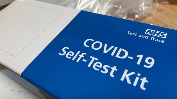 Από σήμερα τα self tests στα φαρμακεία