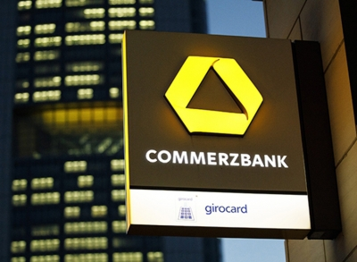 Commerzbank's CEO, Martin Zielke, offers the mutual termination from office and Stefan Schmittmann resigns as Chairman of the Supervisory Board