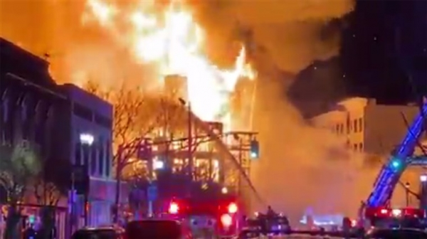 ΗΠΑ: 3.000 άνθρωποι χωρίς ρεύμα λόγω μεγάλης πυρκαγιάς στο Νιου Τζέρσεϊ