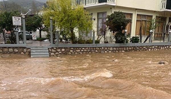 Μεγάλες ζημιές σε Εύβοια, Βοιωτία, Φθιώτιδα από τις πλημμύρες