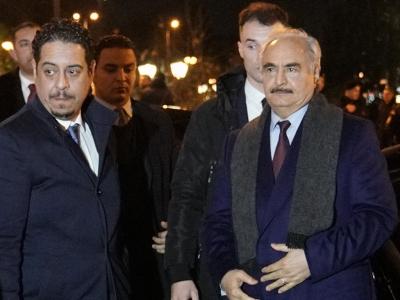Επίσκεψη Χαφτάρ στην Αθήνα - Διπλωματική αντεπίθεση για τις τουρκικές προκλήσεις