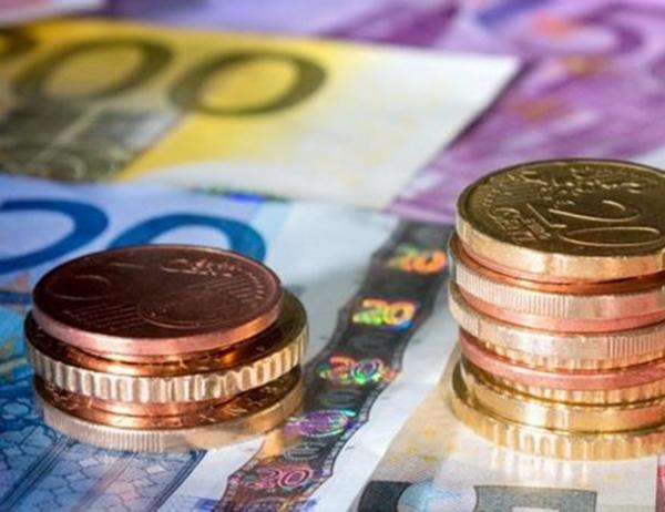 Μειώθηκαν τον Μάιο οι ληξιπρόθεσμες υποχρεώσεις της γενικής κυβέρνησης και οι εκκρεμείς επιστροφές φόρου