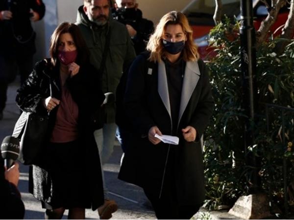 Κατέθεσε στον εισαγγελέα η Μπεκατώρου - «Ελπίζω να μιλήσουν κι άλλες γυναίκες για να μη φοβόμαστε»