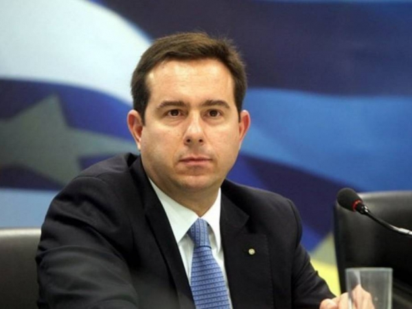 Μηταράκης: Από σήμερα οι μεταφορές σε κλειστές δομές στη Μαλακάσα και τις Σέρρες