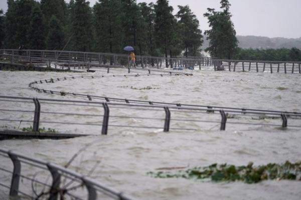 Κίνα: «Κόκκινος» συναγερμός στην Ουχάν από τις πλημμύρες