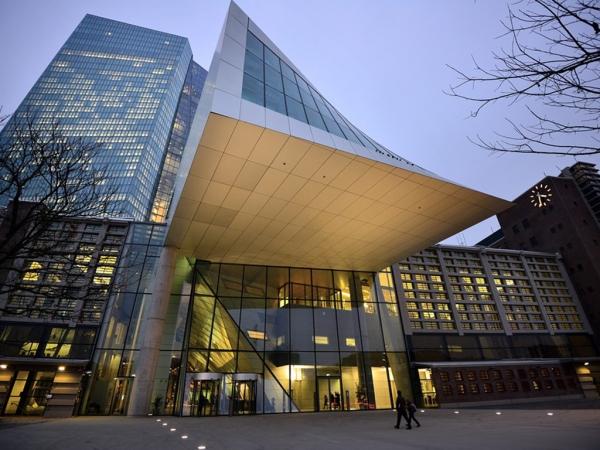 EKT: Στις τράπεζες της Νότιας Ευρώπης το μεγαλύτερο πλήγμα από την κλιματική αλλαγή