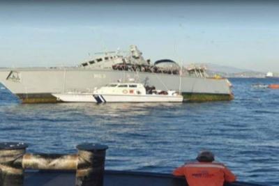 Ξεκίνησε η επιχείρηση ρυμούλκησης του ναρκοθηρευτικού «Καλλιστώ» που συγκρούστηκε με φορτηγό πλοίο έξω από τον Πειραιά