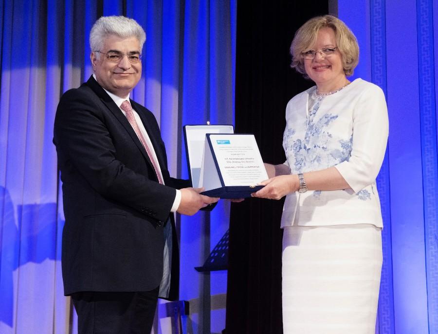 Καθηγητής Κώστας Ν. Συρίγος Πρόεδρος Παιδικών Χωριών SOS Andrea Ikic Boehm Πρέσβης Αυστρίας